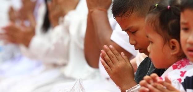 pray-455856_640