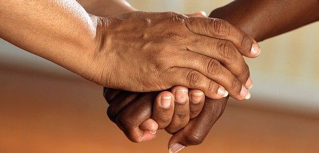 clasped-hands-541849_640
