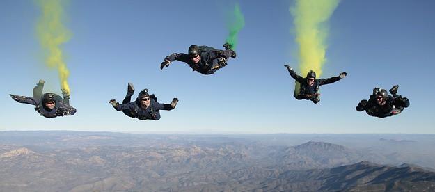 skydiving-603639_640
