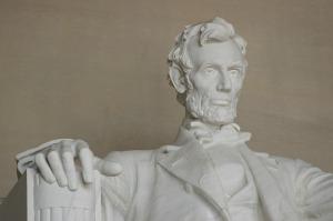 statue-197446_640