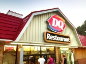Dairy_Queen_Restaurant_CT_USA_July_2013
